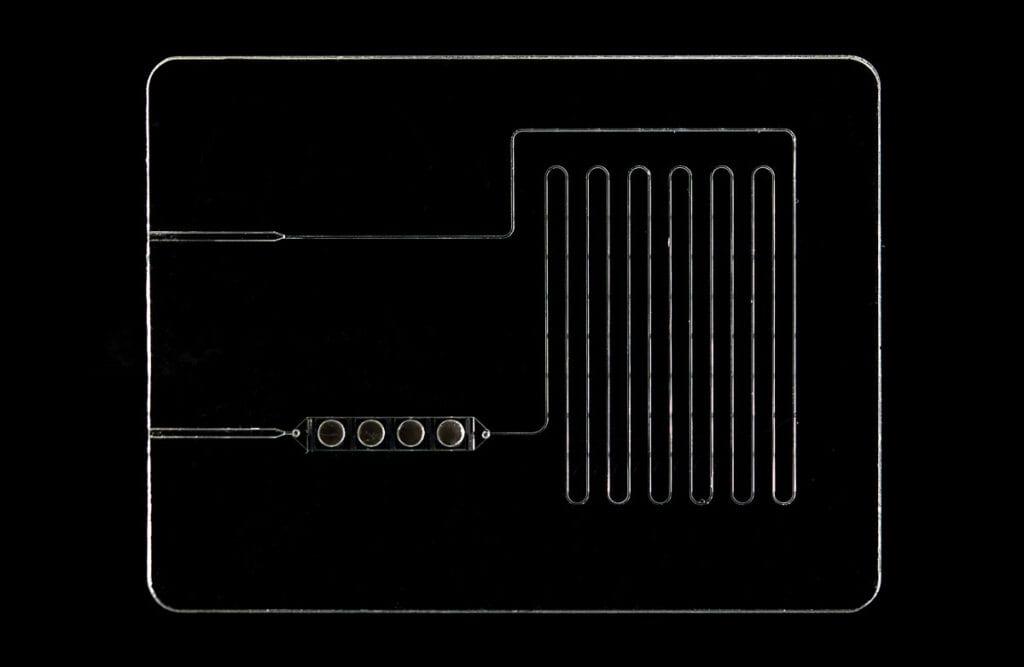 glass microfluidic device